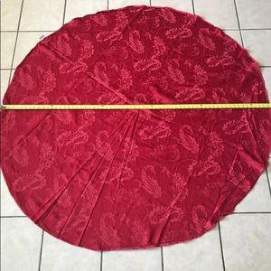 "THRESHOLD 64"" round tablecloth"